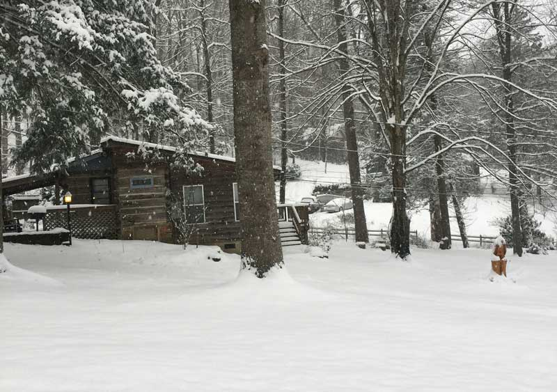 Little Lost Valley Cabin: Maggie Valley Cabins » Little Cabin